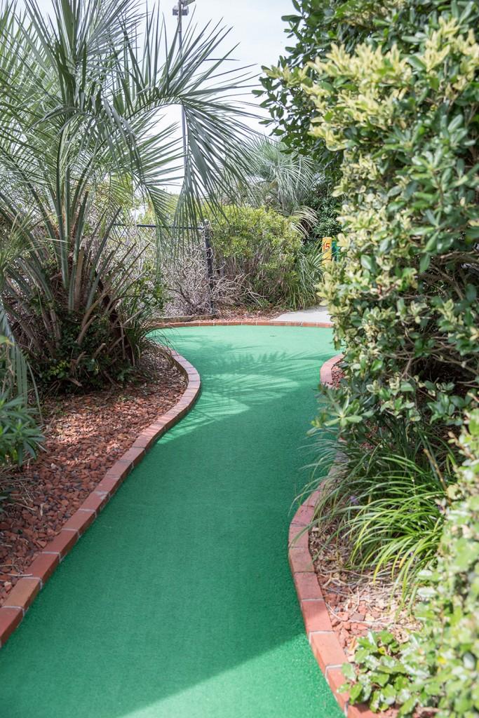 south carolina miniature golf courses